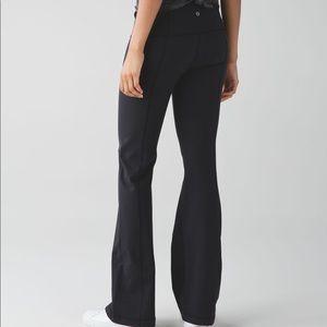 Lululemon black groove pants size 2.
